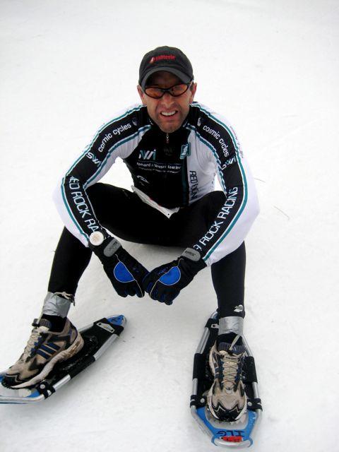 sport snowshoe man
